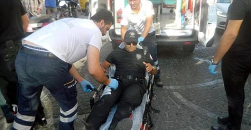 Polisten kaçan motosiklet sürücüsü, polise çarptı