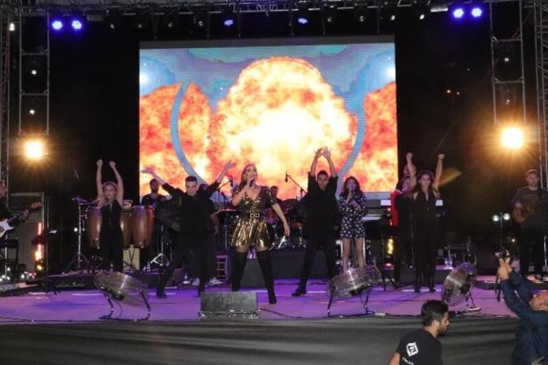 Zonguldak'ta İrem Derici konserinde faciadan dönüldü