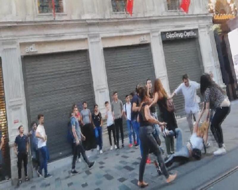 İstiklal Caddesi'nde 'meydan savaşı'...