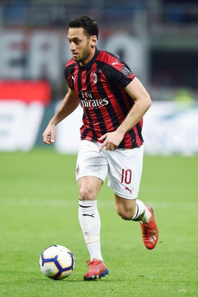 Hakan Çalhanoğlu'nun golü Milan'a galibiyeti getirdi