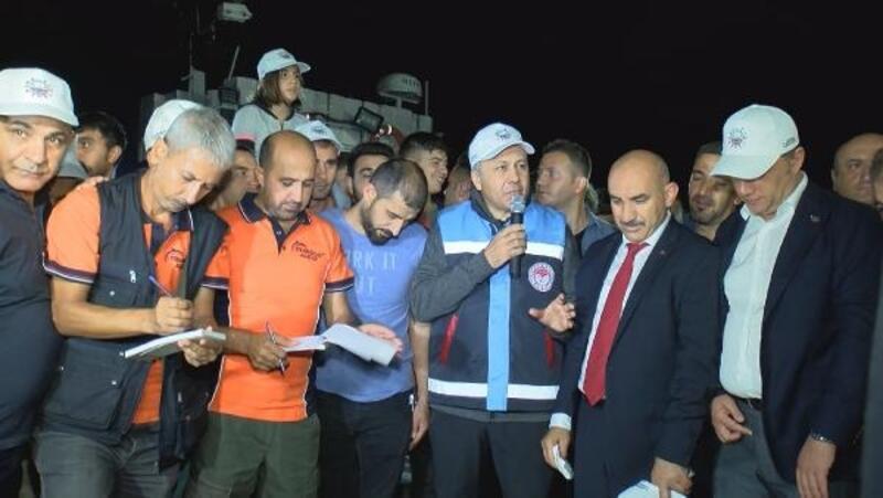 İstanbul'da balıkçılar sezonun ilk avından döndü