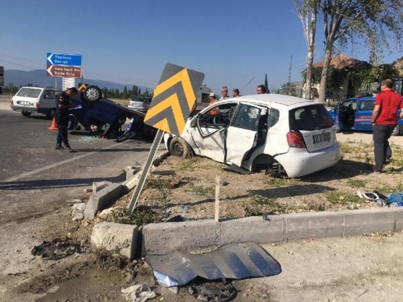 7 kişinin yaralandığı kaza kamerada