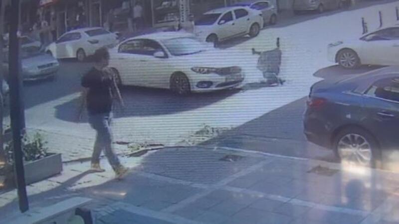 Esenyurt'ta otomobilin bir kadına çarpma anı kamerada