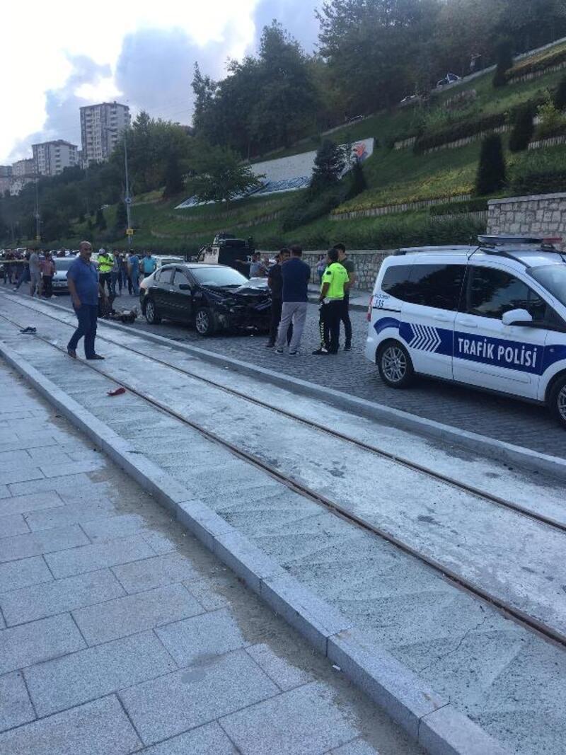 Kağıthane'de feci kaza: 1 ölü 1 yaralı