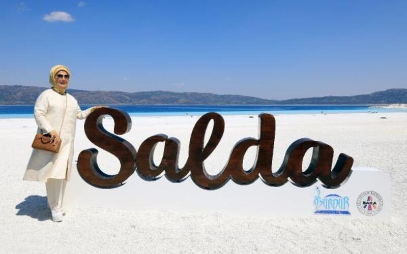 Emine Erdoğan'dan Salda Gölü'nde inceleme