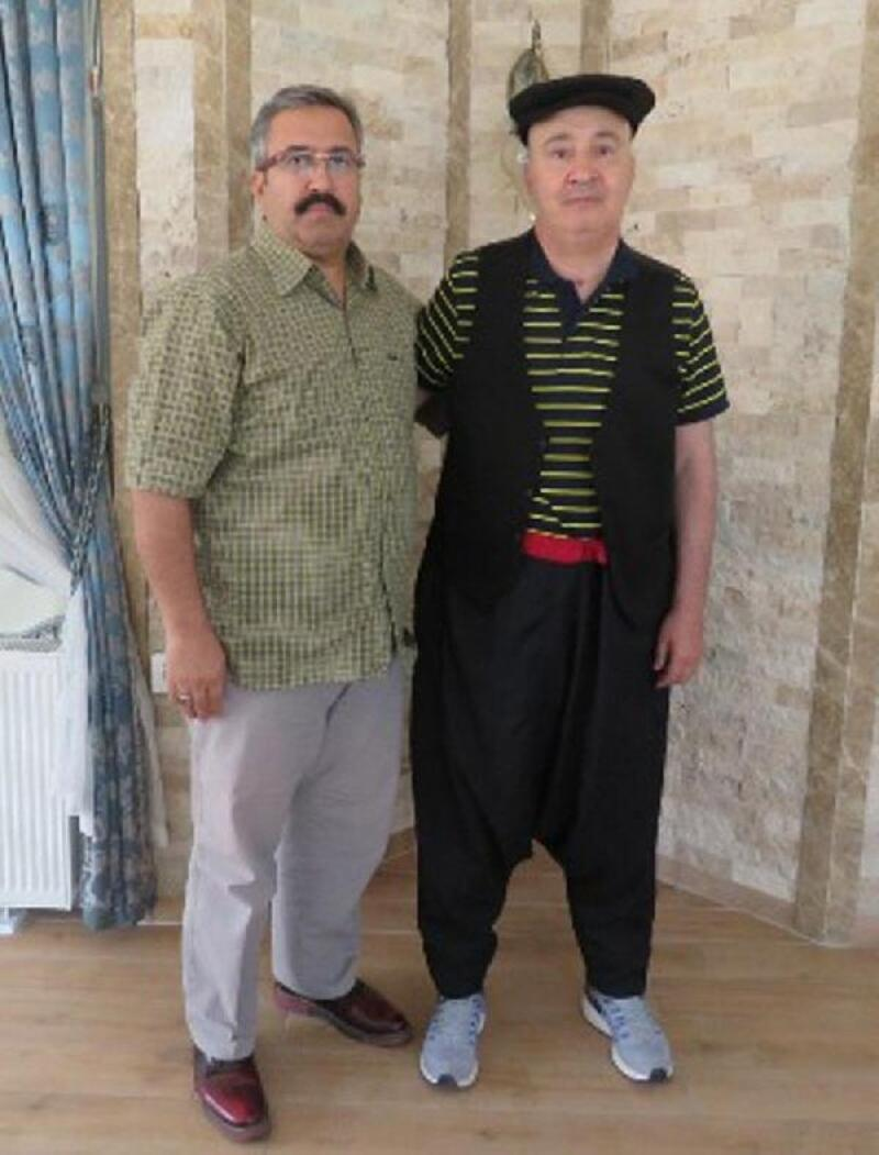 Denizli Emniyet Müdürü Demir'e şalvar, cepken ve kasketli ziyaret