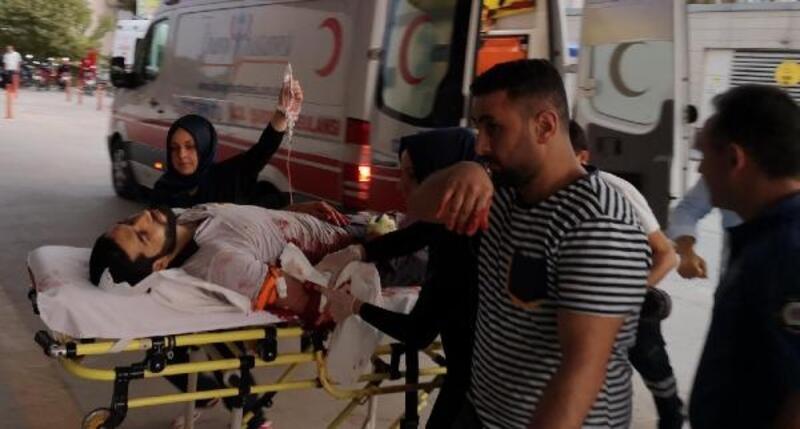 Üzerine cam blok düşen işçi ağır yaralandı