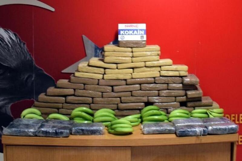 Kanas, muz yüklü gemideki 83 kilo kokaini buldu