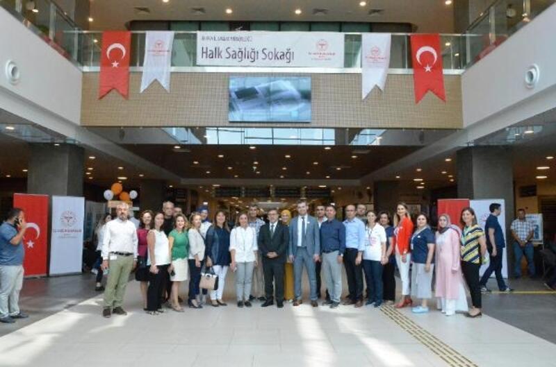"""Bursa Şehir Hastanesi'nde """"Halk Sağlığı Sokağı"""" etkinliği"""