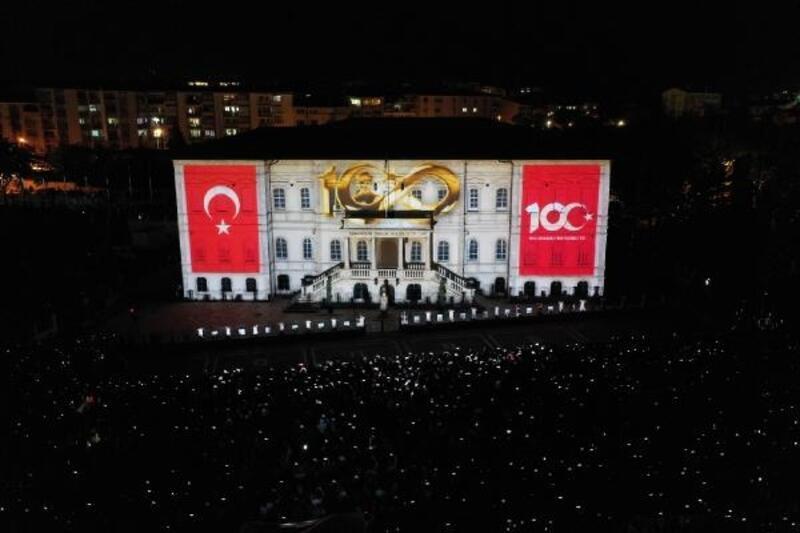 Sivas Kongresi binasının duvarlarında tarih canlandı