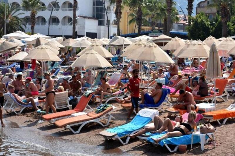 Marmaris sahilleri yabancılara kaldı