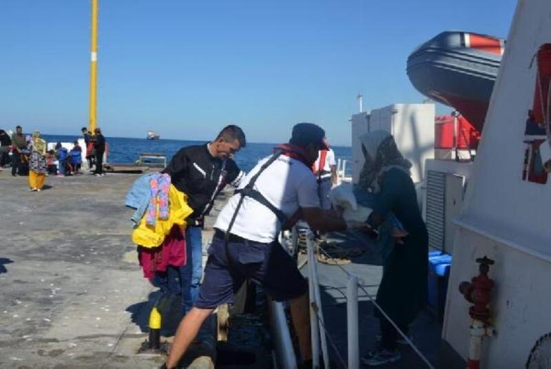 Dikili ve Karaburun açıklarında 203 kaçak göçmen yakalandı