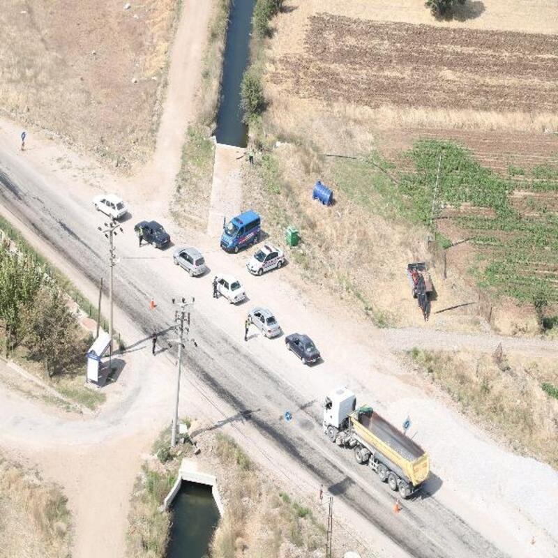 Jandarma, helikopter ile havadan trafik denetimi yaptı