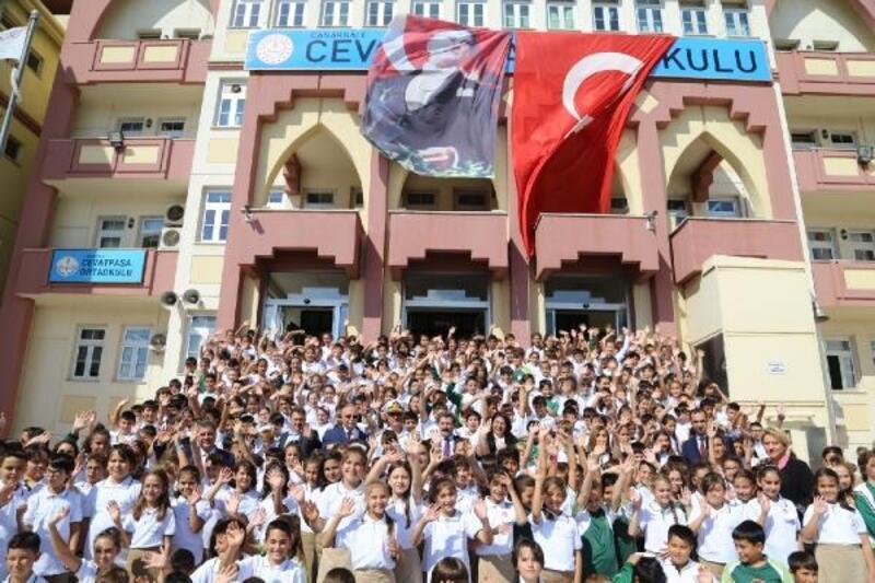 Çanakkale'de 77 bin öğrenci ders başı yaptı