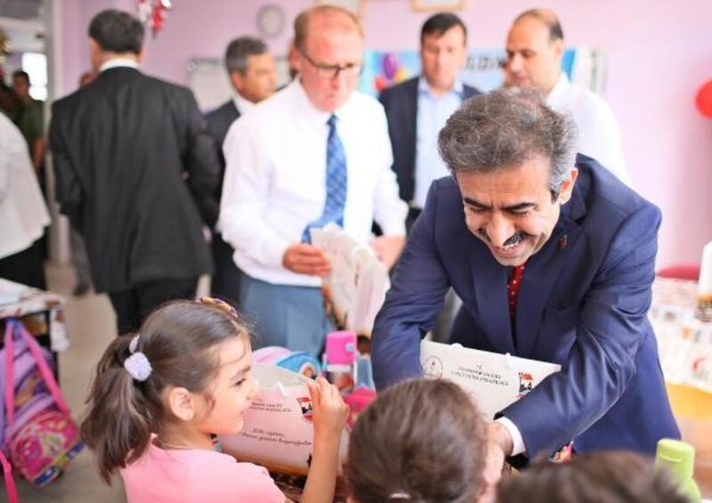 Diyarbakır'da yeni eğitim yılı törenle başladı