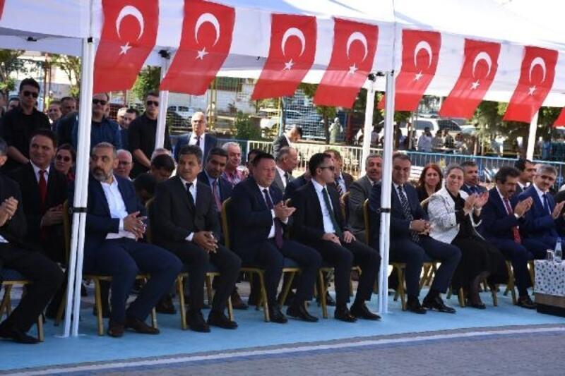 Başkan Beyoğlu'dan öğrencilere eğitim desteği