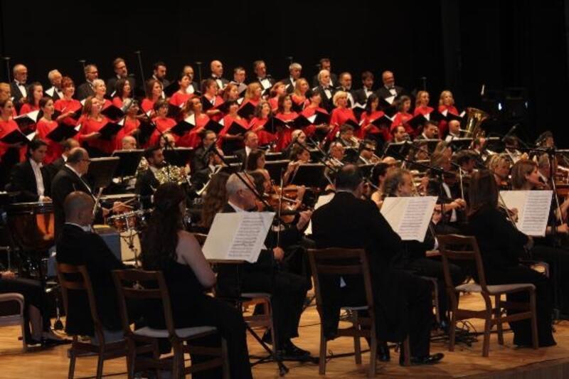 Cumhurbaşkanlığı Senfoni Orkestrası Sivas'ta konser verdi