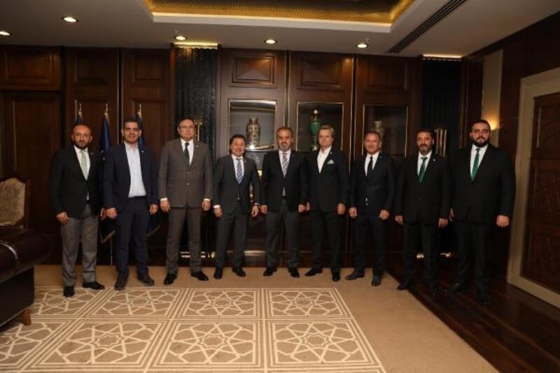 Bursaspor yönetimi, Başkan Aktaş'ı ziyaret etti