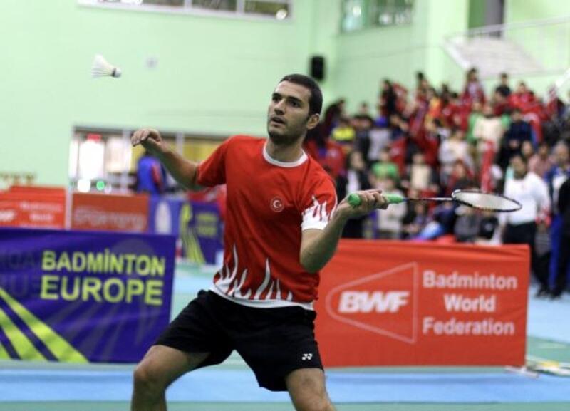 Badminton'da Emre Lale kota mücadelesi veriyor