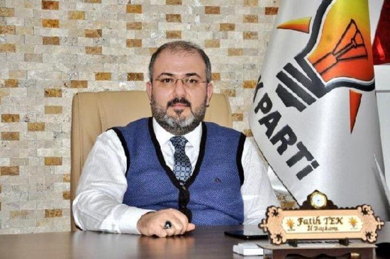 AK Parti'li Tek'ten HDP önündeki ailelere destek