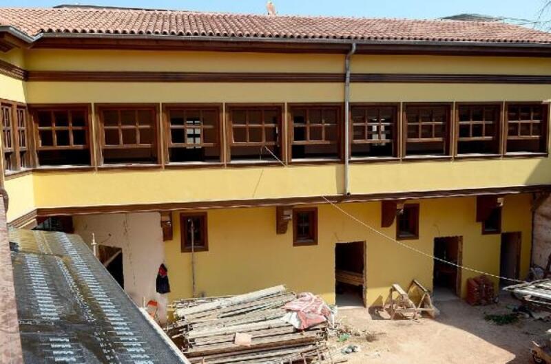 Bursa'da 600 yıllık Şadırvan Han yeniden yapılıyor