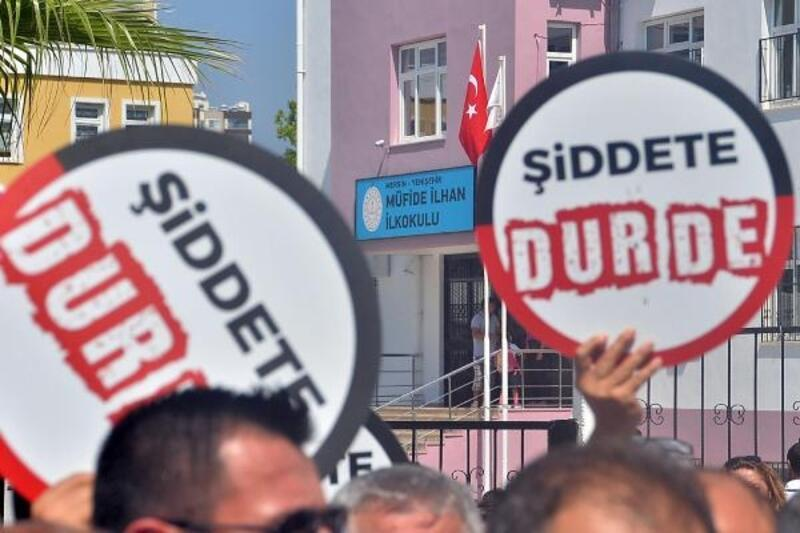 Mersin'de okul müdürüne saldırı kınandı