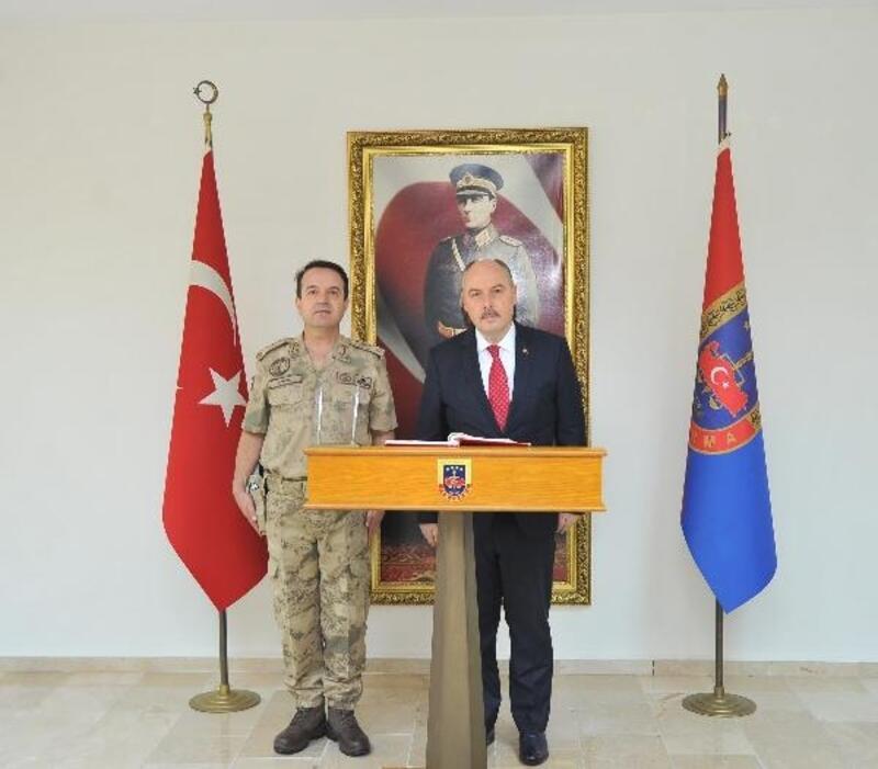 Vali Coşkun'dan Jandarma Komutanına hayırlı olsun ziyareti