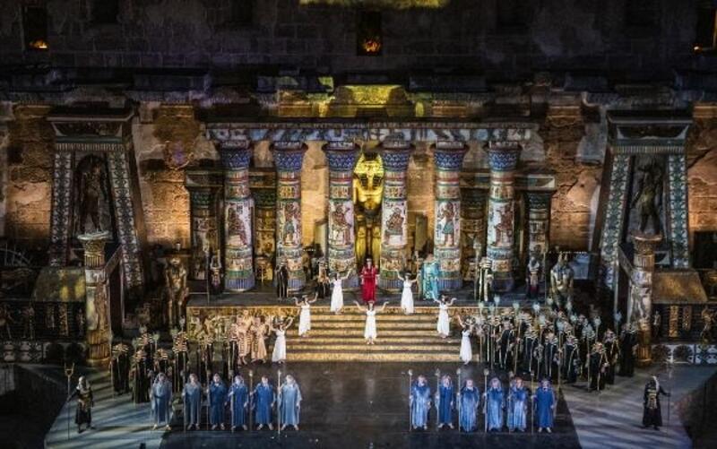 'Aida' operası ayakta alkışlandı