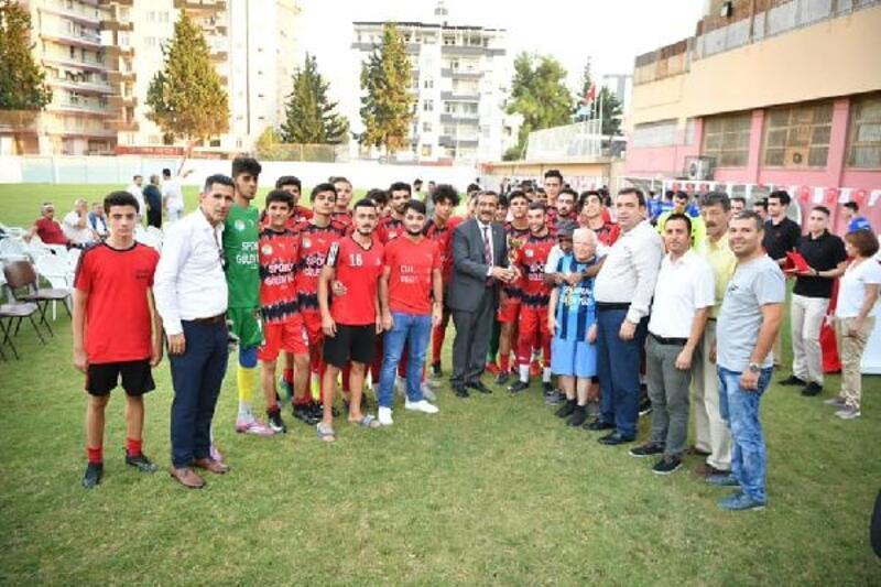 Şampiyon Çukurovaspor