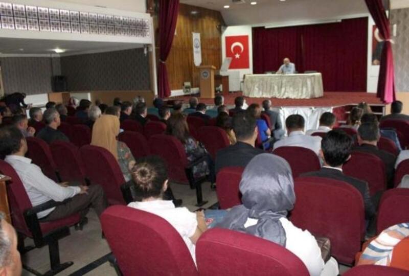Sivas'ta, Demokrasi ve Milli Birlik konferansı
