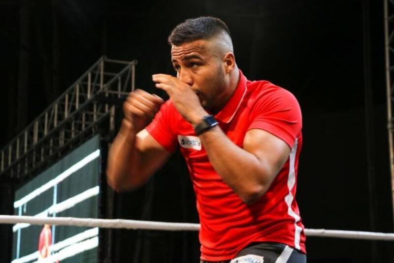 Dünya şampiyonu boksörden farkındalık etkinliği