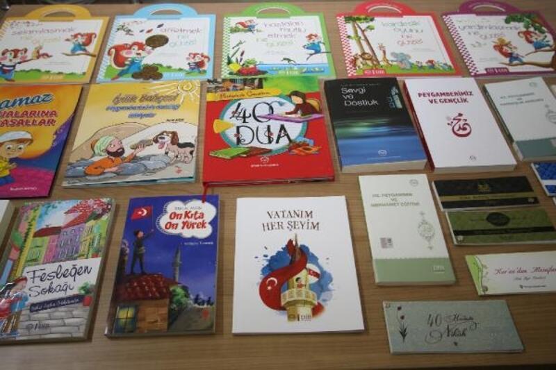 Hacılar'da belediyeden öğrencilere kitap