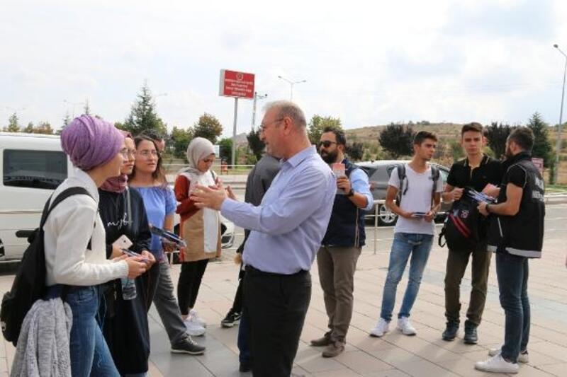 Polisten öğrencilere 'Hoş geldin' standı