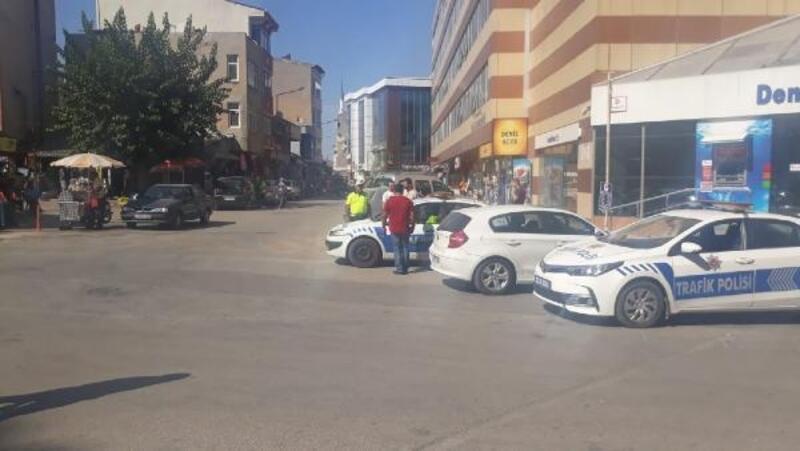Aracıyla ters yönden giden 13 sürücüye 1404 lira ceza