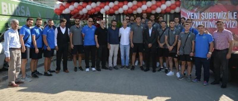 Bursa Büyükşehir Belediyespor Erkek Voleybol takımı kahvaltıda bir araya geldi