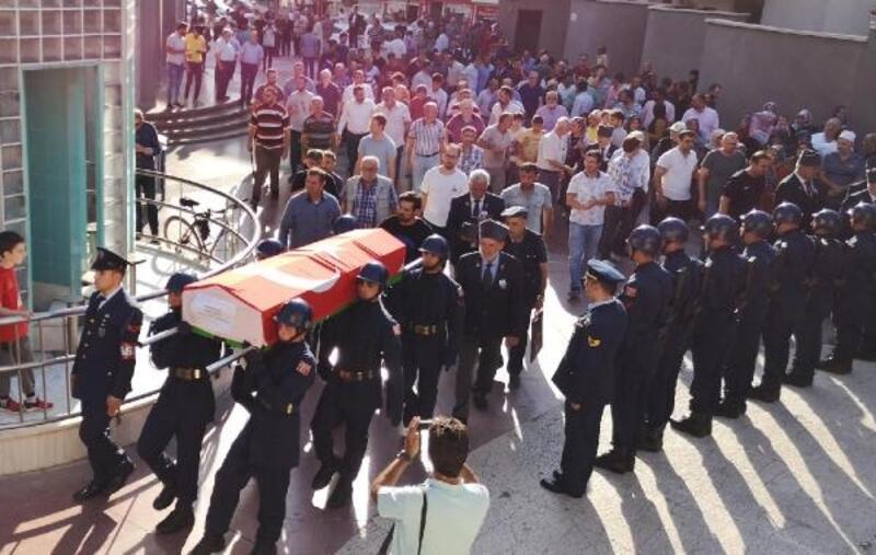 Hayatını kaybeden Kıbrıs Gazisi Polat, toprağa verildi