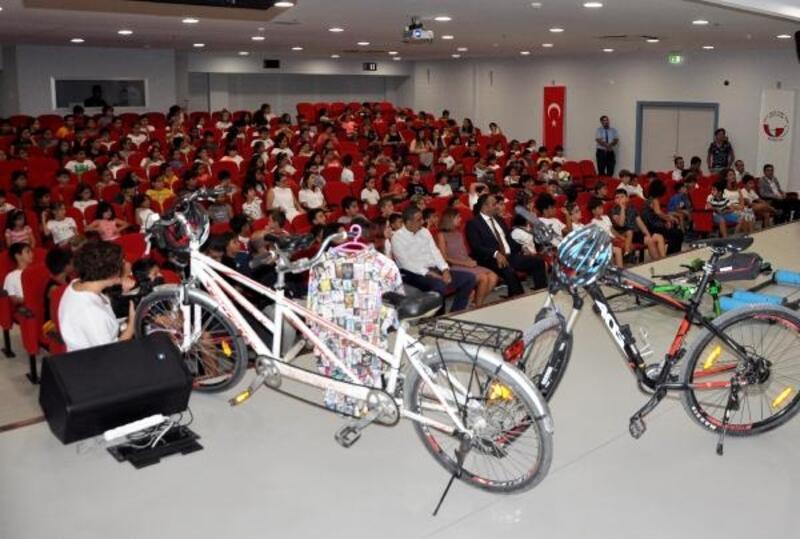 Mersin'de okullarda güvenli bisiklet sürme eğitimi