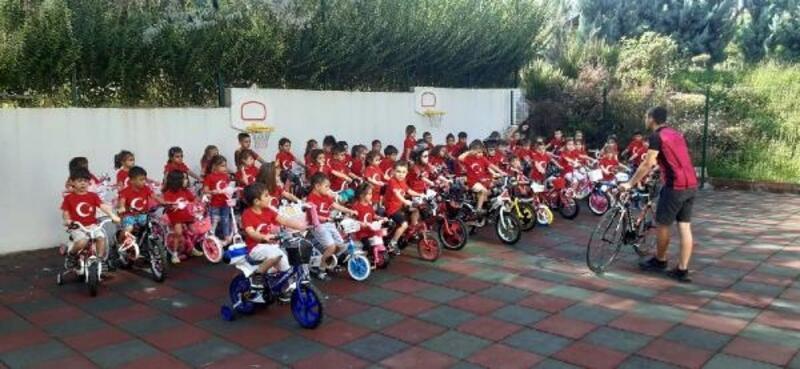 Anaokulu öğrencilerinden bisiklet turu etkinliği