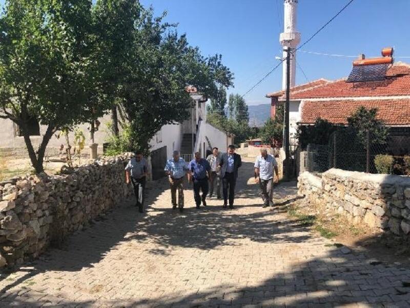 Pazar Kaymakamı Karali, köy ziyaretlerinde