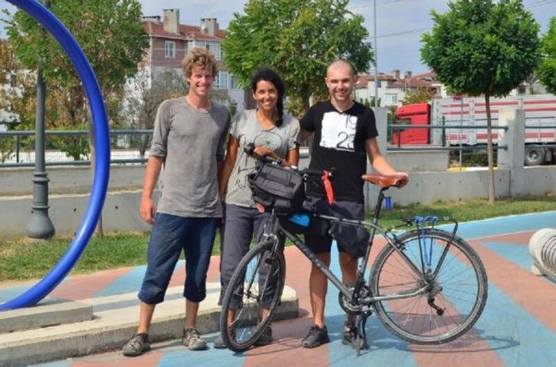 Bisikletle Fransa'dan Moğolistan'a gidiyorlar