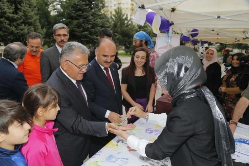 Başkan Büyükkılıç, kermes etkinliğine katıldı