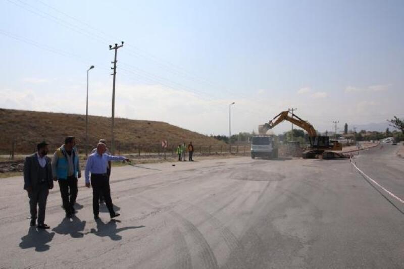 Kocasinan'da yol yenileme çalışmaları devam ediyor