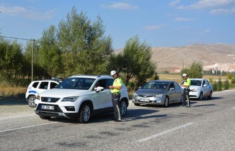 Polisten trafik denetimi