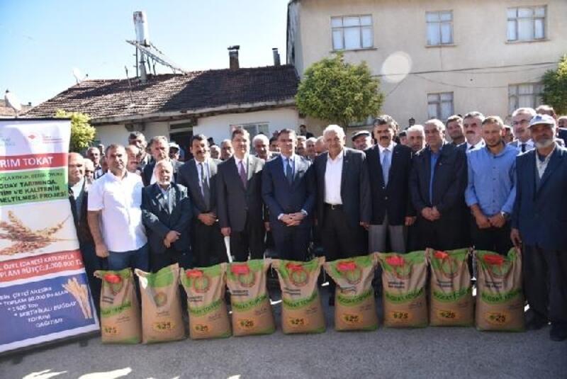 Tokat'ta çiftçilere 386 ton tohumluk buğday dağıtıldı