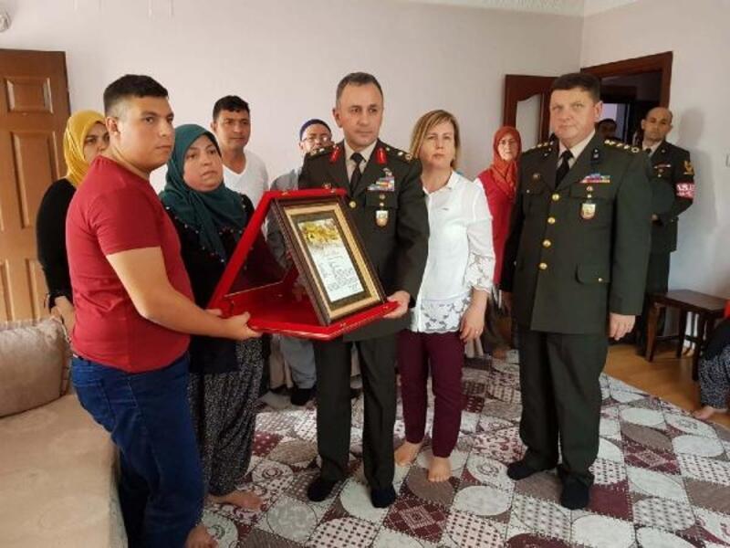 Pençe 3 Harekatı şehitlerinin ailelerine 'Şahadet Belgesi' verildi