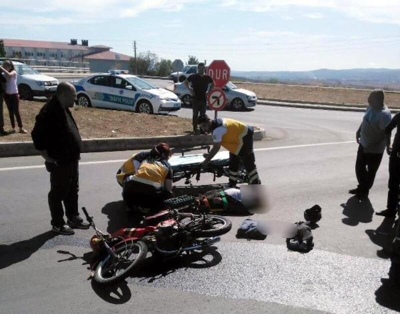 Devrilen motosikletin sürücüsü yaralandı