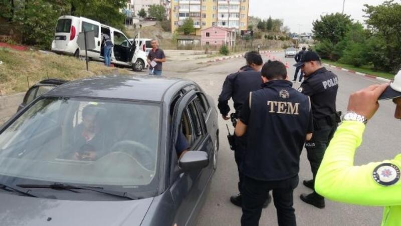 Karabük'te 'Dumansız araç uygulaması' nda 25 sürücüye ceza kesildi