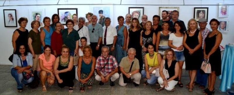 Antalya'nın ünlülerini resmetti