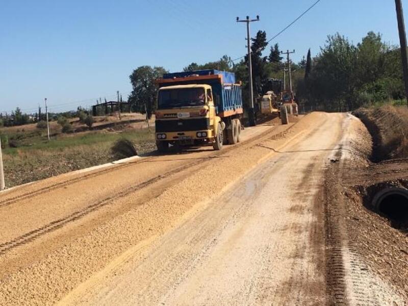 Serik'in dört mahallesinde asfalt çalışması