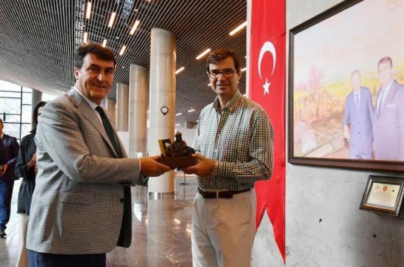 İspanyol büyükelçi, Panorama 1326 Bursa Fetih Müzesi'ne hayran kaldı